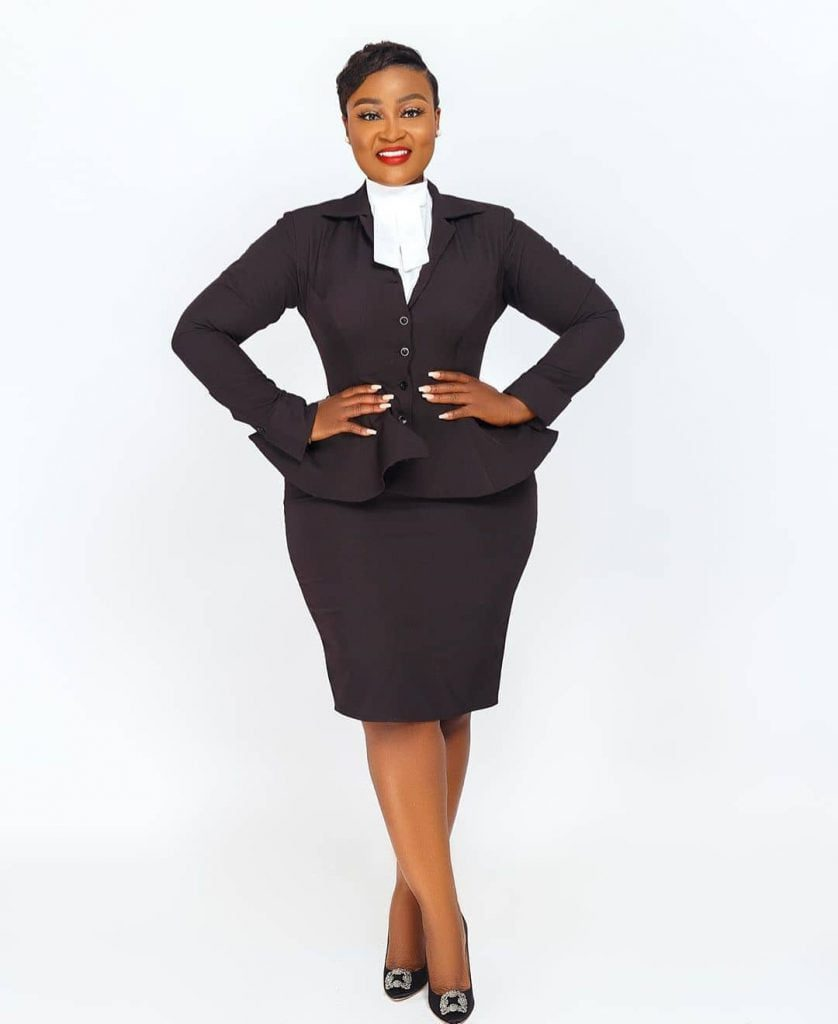 Meet Ghanaian lawyer Akua B, the most curvaceous lawyer in Ghana (photos) 11