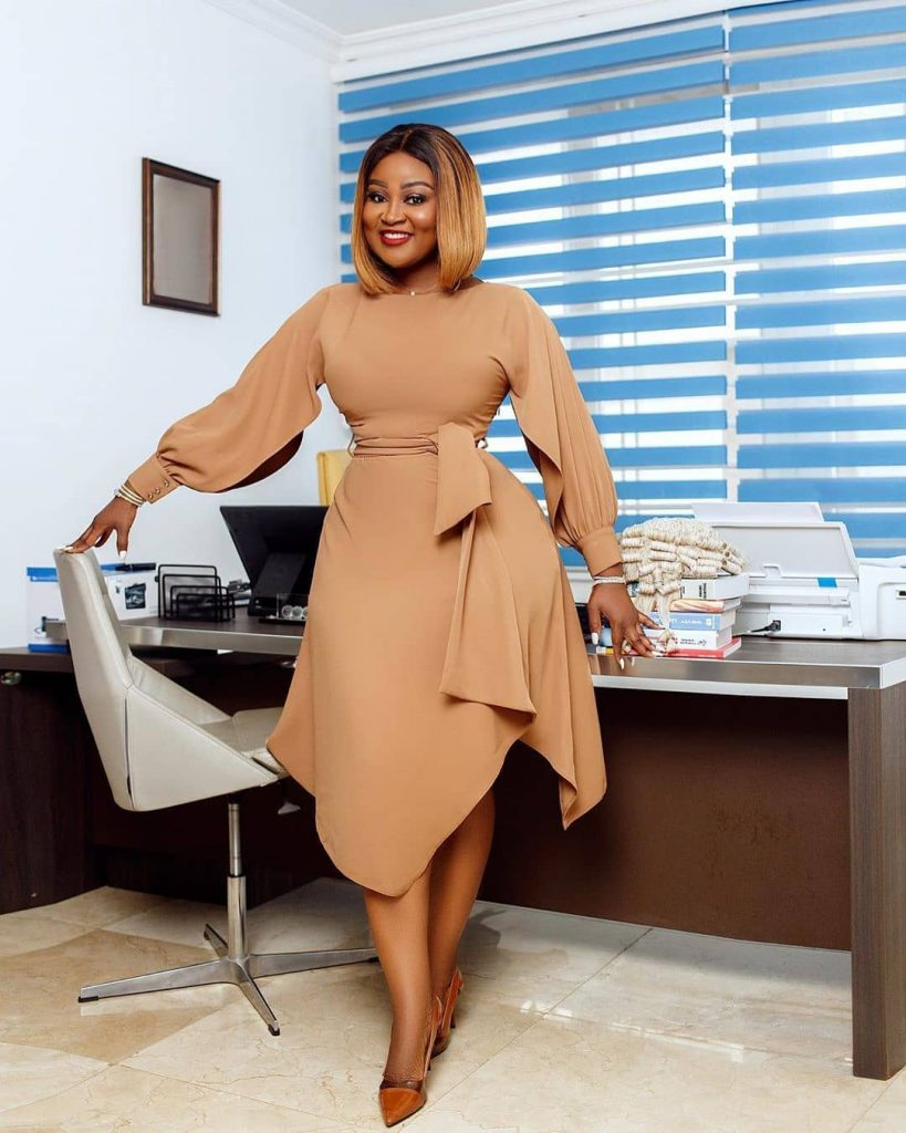 Meet Ghanaian lawyer Akua B, the most curvaceous lawyer in Ghana (photos) 7