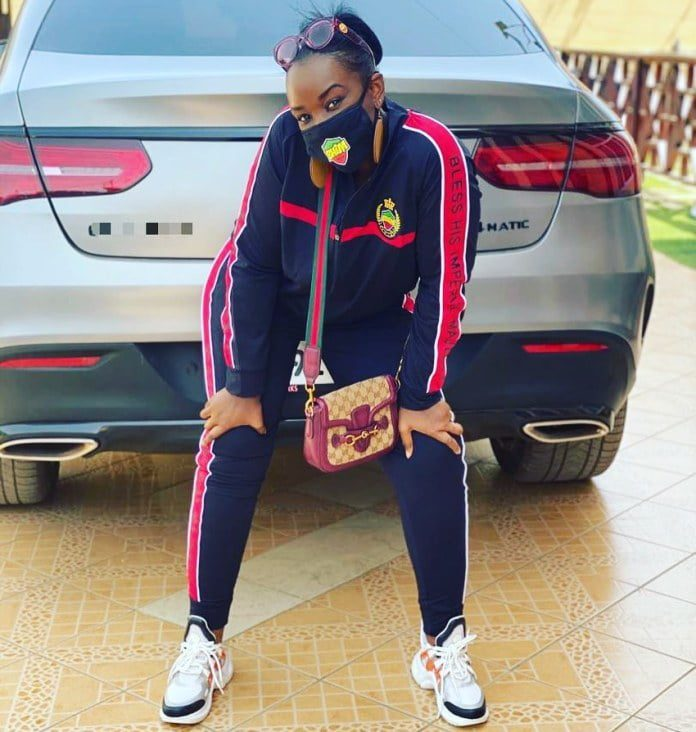 Stonebwoy's wife swags up in Bhim Merchandise (photo) 2