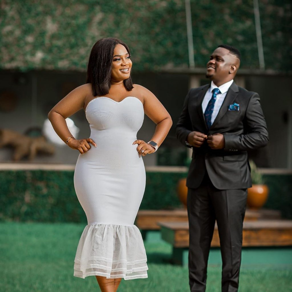 Amazing pre wedding photos of blogger Chris handlers hits online (photos) 2