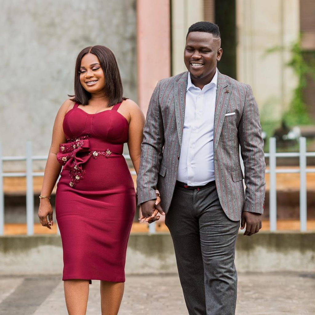 Amazing pre wedding photos of blogger Chris handlers hits online (photos) 4