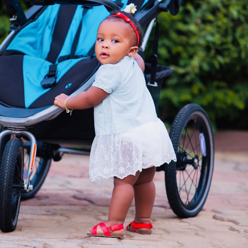 10 pictures of Baby Maxin that shows she is growing up fast and pretty (photos) 3