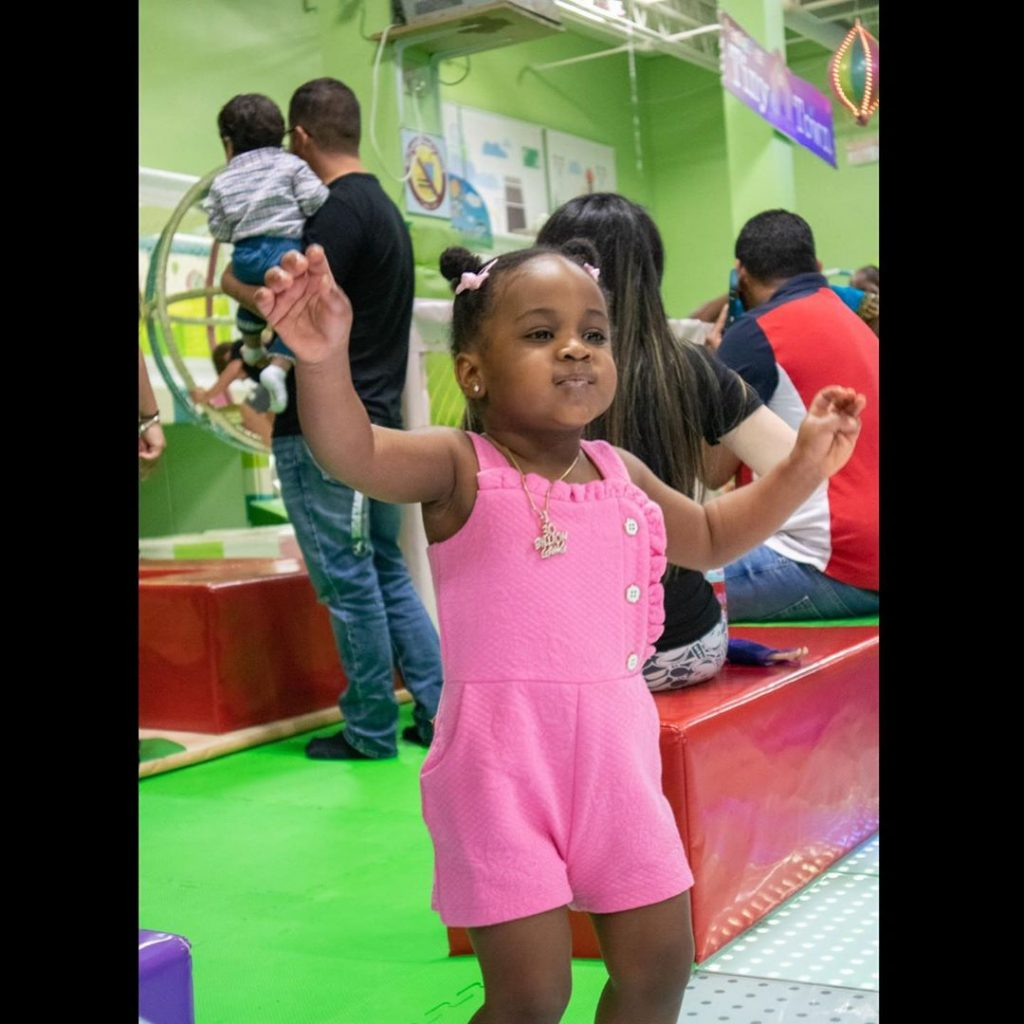 Who is the more pretty among Davido's 3 daughters? (Photos) 4