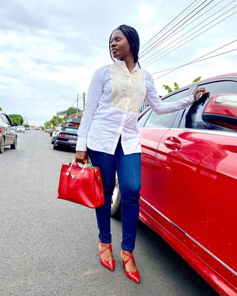 20 pictures of Martha Ankomah that shows decent dressing can also make you look pretty (photos) 21