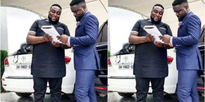 Sarkodie allegedly selling 3 of his cars as he returns to Ghana 'broke' 1