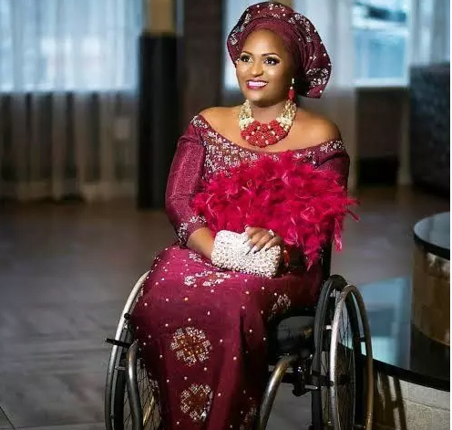 Meet Lizzy; a lady in a wheelchair with a spinal cord injury who 'slays' better than some ladies. 4
