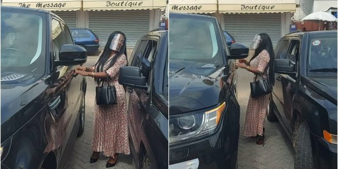 Video of Nana Aba Anamoah struggling to open the door of her Range Rover surfaces online (video) 1