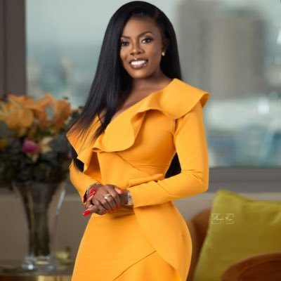 """It's For Your Father"" - Nana Aba Anamoah Angrily Insults A Fan Who Asked Of Her iPhone (Screenshots) 2"