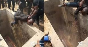 Tears Flow As a Grieving Man Attempts To Enter The Grave Of His Beloved Friend Who Was Being Buried - Photos 39