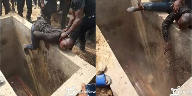 Tears Flow As a Grieving Man Attempts To Enter The Grave Of His Beloved Friend Who Was Being Buried - Photos 1