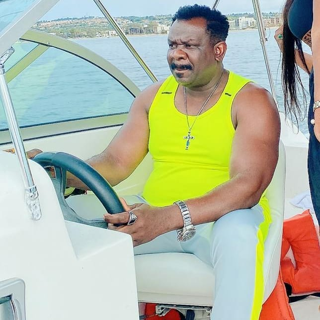 Koo Fori flaunts New Manson and luxery Cars In America 5