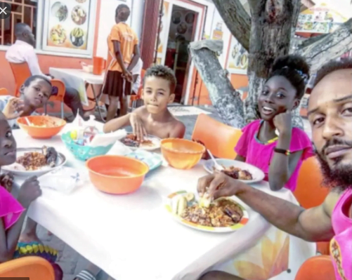 Check Out This Amazing Photo Of Wanlov The Kuborlo And His Children 4
