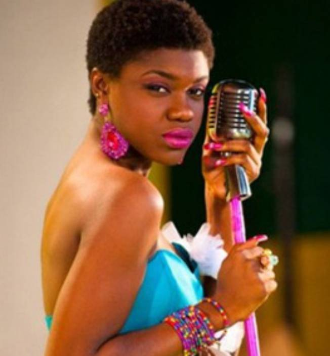 Throwback dark and lovely Photos of Becca causes a stir – was it worth bleaching? 3