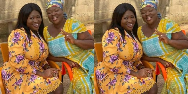 Sista Afia and Mercy Aseidu causes a stir with their striking resemblance in new photo 1