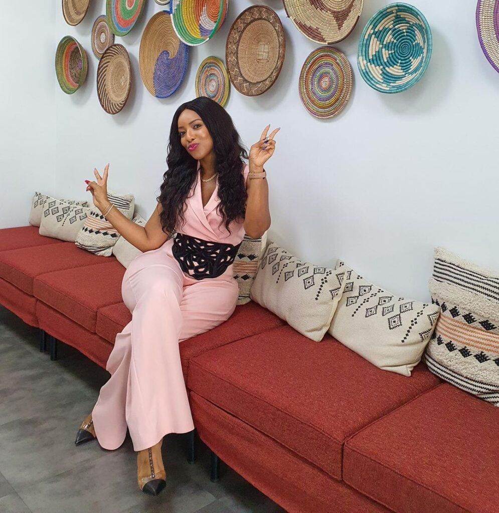 Joselyn Dumas stuns social media with new amazing pictures of herself. (photos) 2