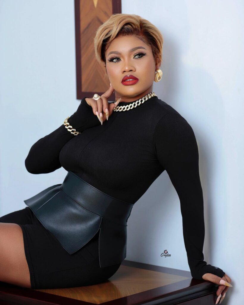 Lil Win's girlfriend Sandra ababio shares sexy and amazing pictures on social media. 7