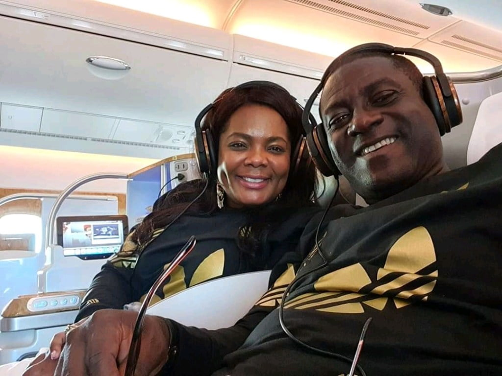 Captain smart flaunts his wife for the first after getting married a year ago (photos). 3