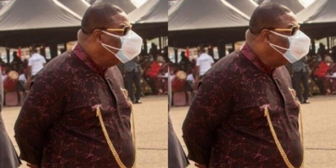 Archbishop Duncan Williams spotted wearing two nose mask at Rawlings Funeral 1