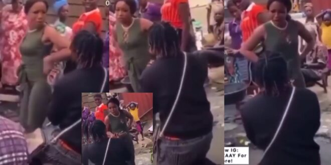 Lady embarrasses and slaps boyfriend for proposing to her in a market - Video 1