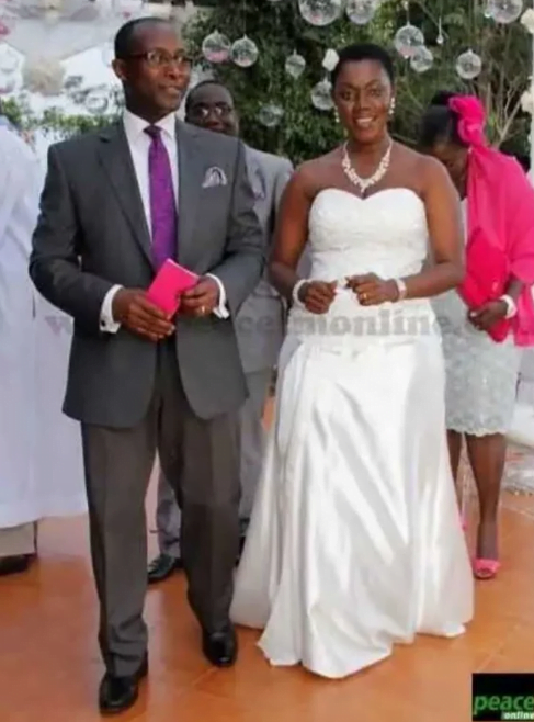 Throwback pictures of Madam Ursula Owusu when she was getting married (photos) 7
