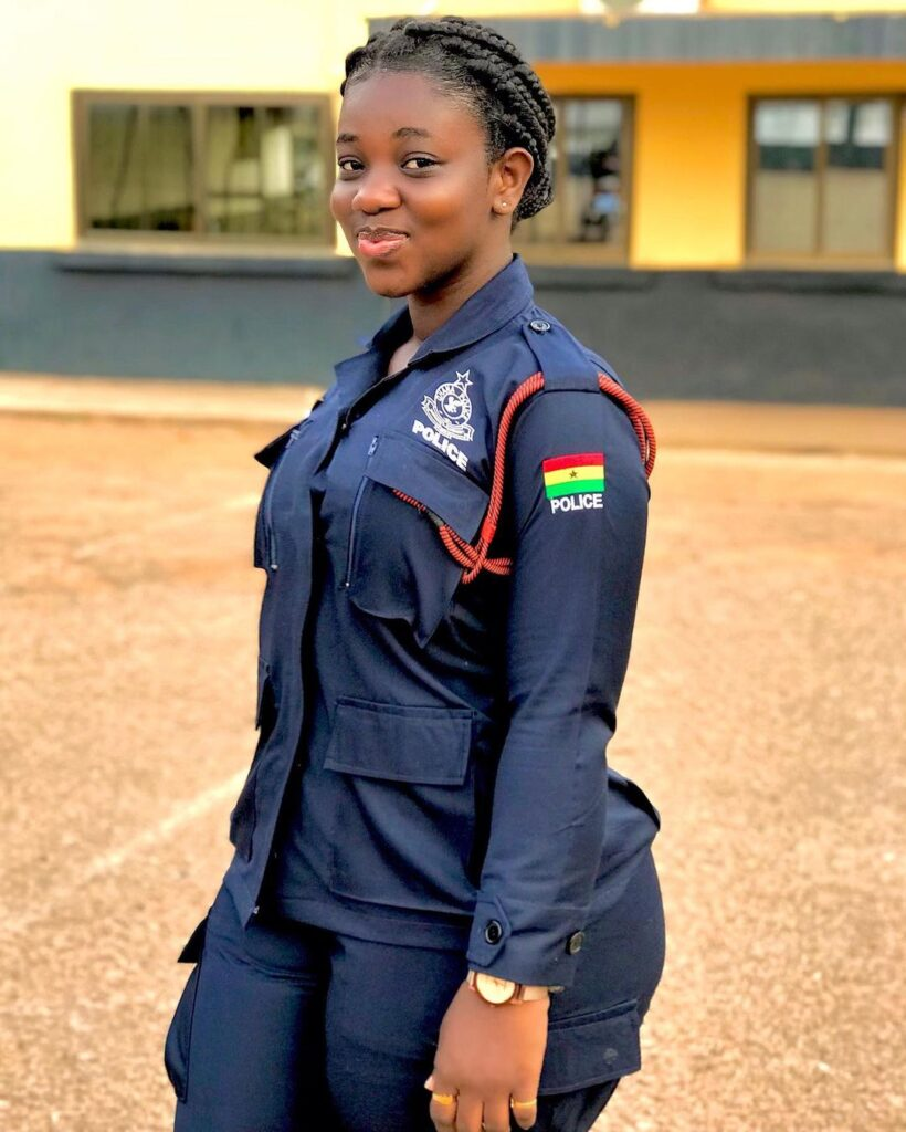 pictures of Beautiful Ghanaian Nurses, Police, and Military women. 12