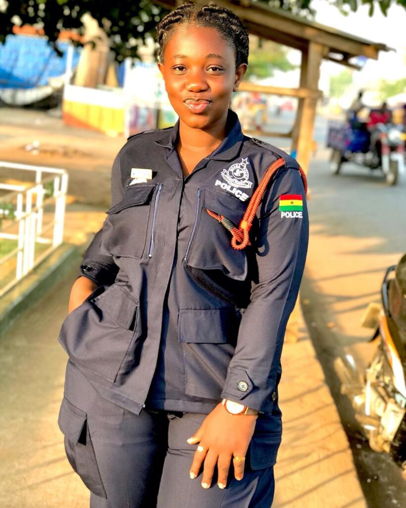 pictures of Beautiful Ghanaian Nurses, Police, and Military women. 11