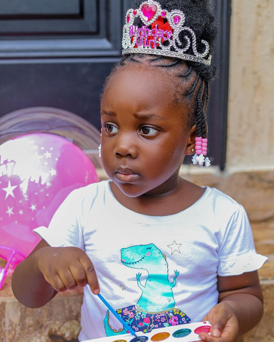 3-Year-Old daughter of Stonebwoy drives him in town - Video 2