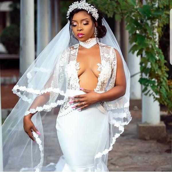Social media goes Crazy over the wedding gown of a bride (photos) 4