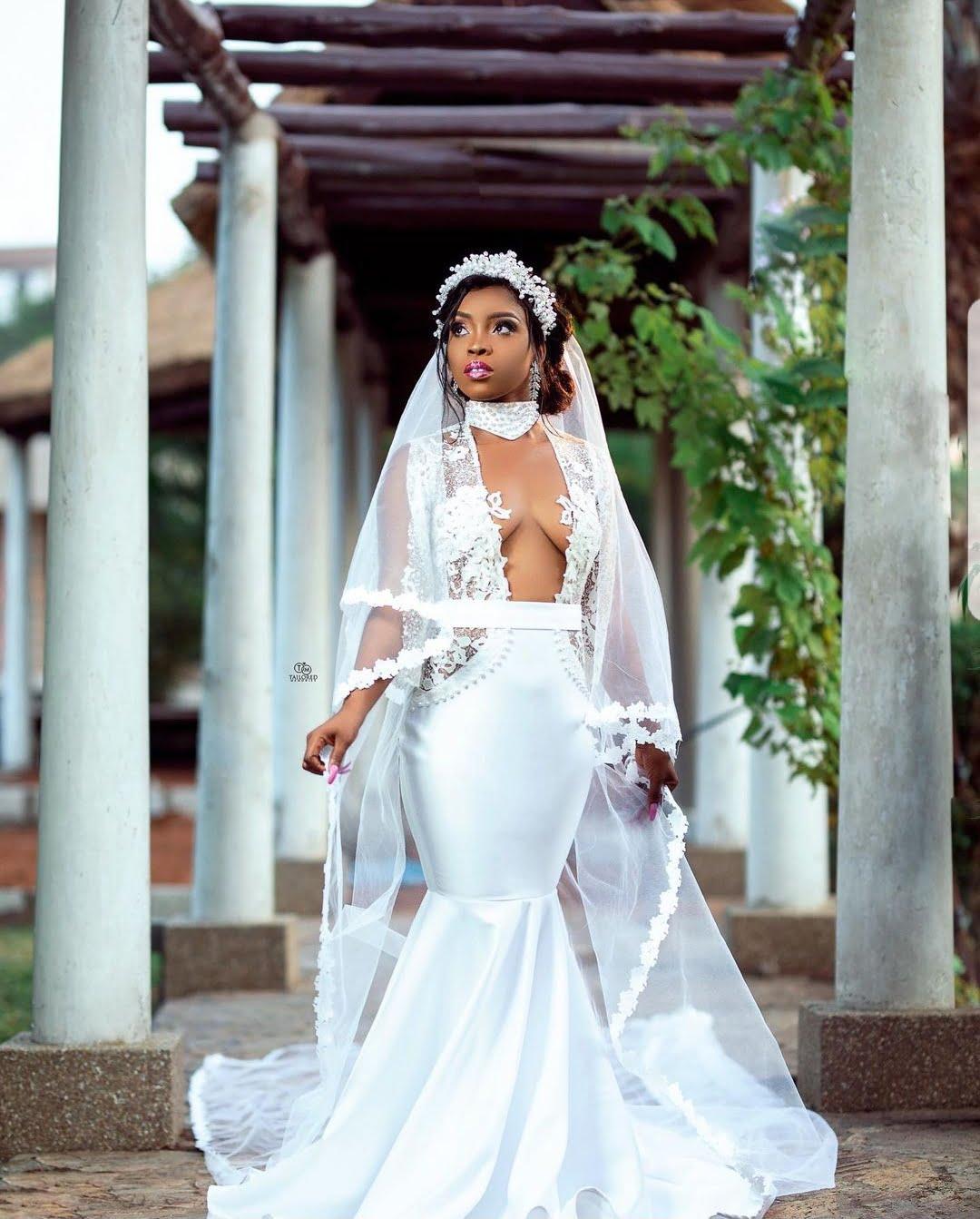 Social media goes Crazy over the wedding gown of a bride (photos) 2