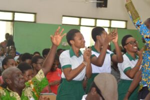 St. Louis JHS girls alleged of being kidnapped found enjoying with their boyfriends 2