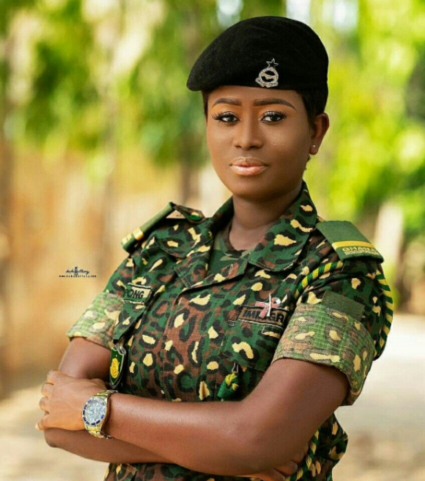 pictures of Beautiful Ghanaian Nurses, Police, and Military women. 18