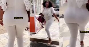 Gospel musician Gifty Osei flaunts her alleged Obengfo Buttocks to please her fans (video) 25
