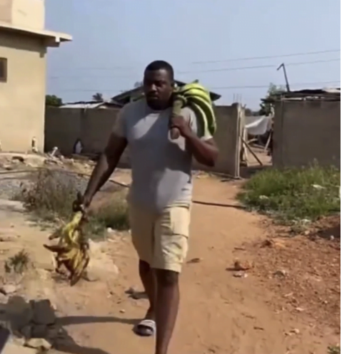 John Dumelo spotted selling plantain after losing elections - Photos 4