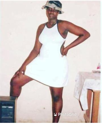 Ayisha Modi drops unidentified throwback photo of herself 3