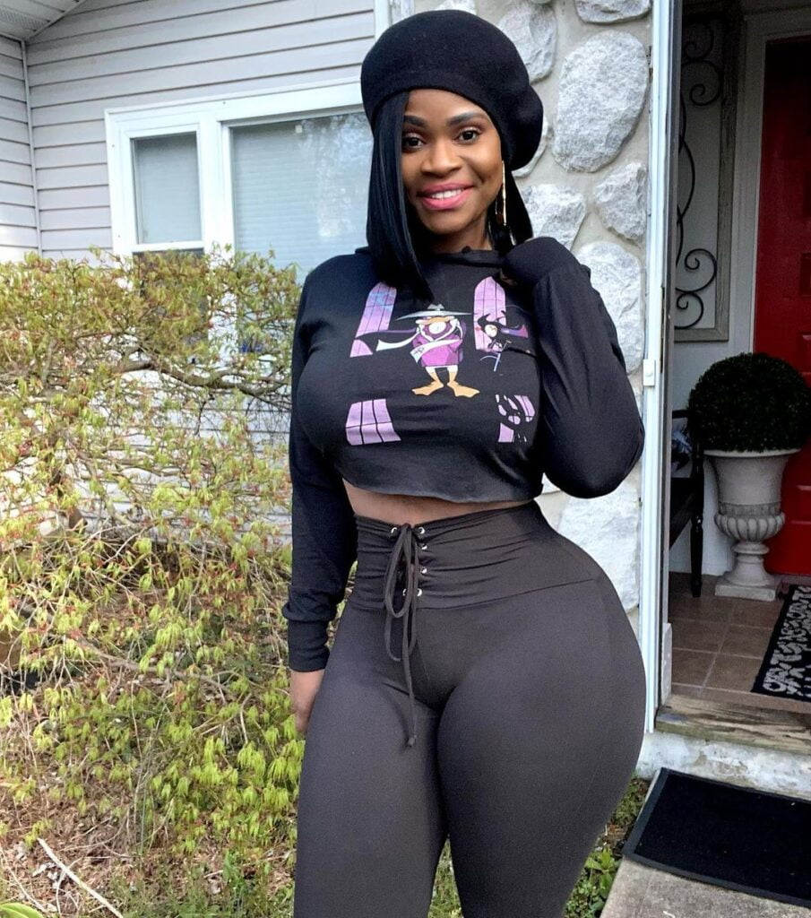 Pictures of Gigi Empress as she showcases her perfect shape and form on Instagram (photos) 2