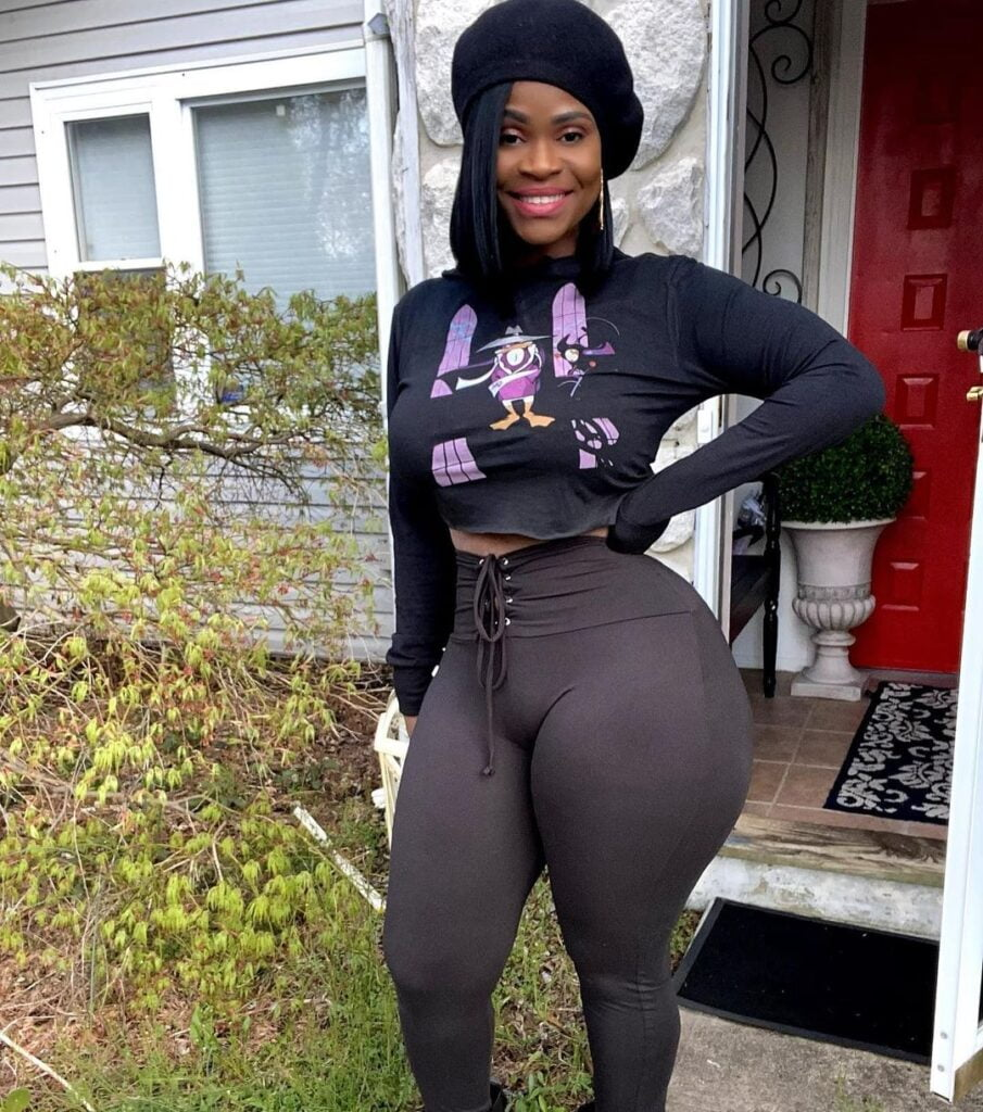 Pictures of Gigi Empress as she showcases her perfect shape and form on Instagram (photos) 3