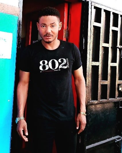 See recent pictures of handsome actor Frank Artus (photos) 3