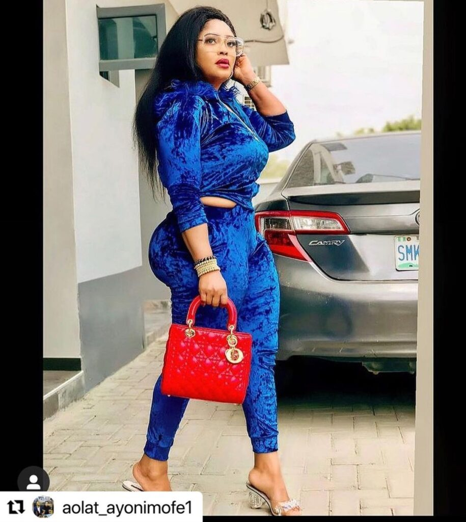 Photos of Omobutty The Nigerian Actress with heavy curves. 3