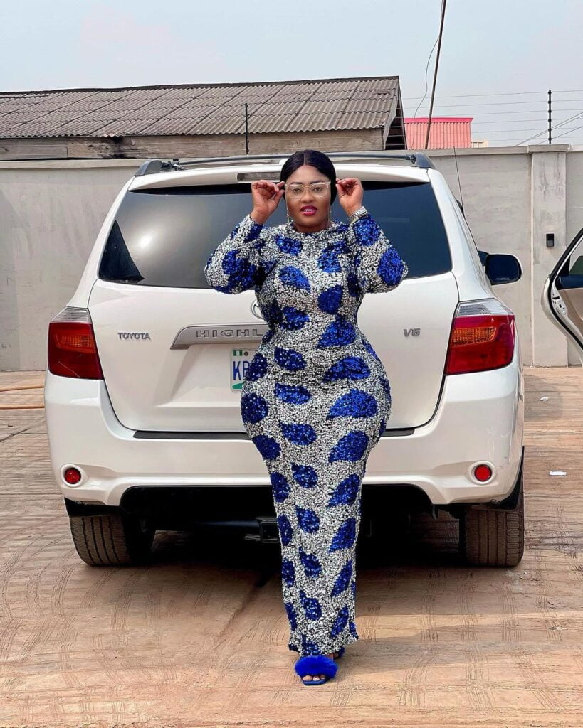 Photos of Omobutty The Nigerian Actress with heavy curves. 8
