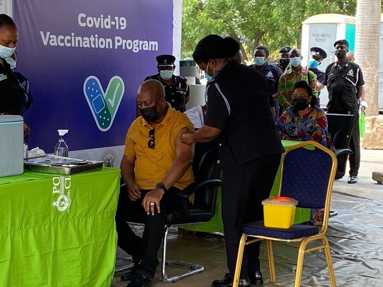 Video - Former Presidents John Mahama, J.A. Kufuor, and wives receive COVID-19 vaccines