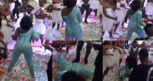 Bride goes viral after she showed crazy dance moves tw3rking at her wedding (video) 7