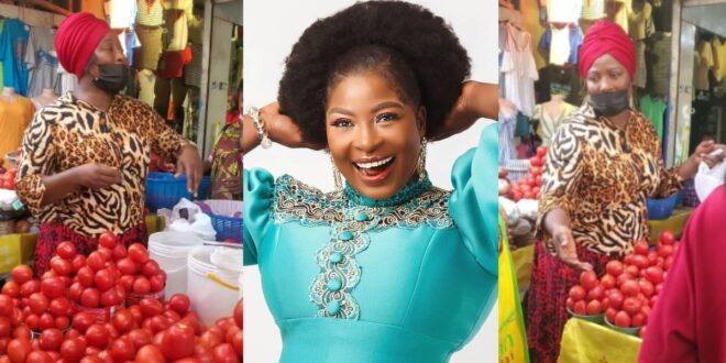 Gloria Sarfo spotted selling tomatoes at the market (video) 1