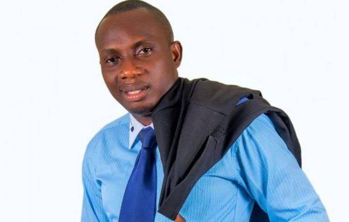 """Okyeame Kwame is a f()0l for remaining faithful to one woman""- Counselor Lutterodt"