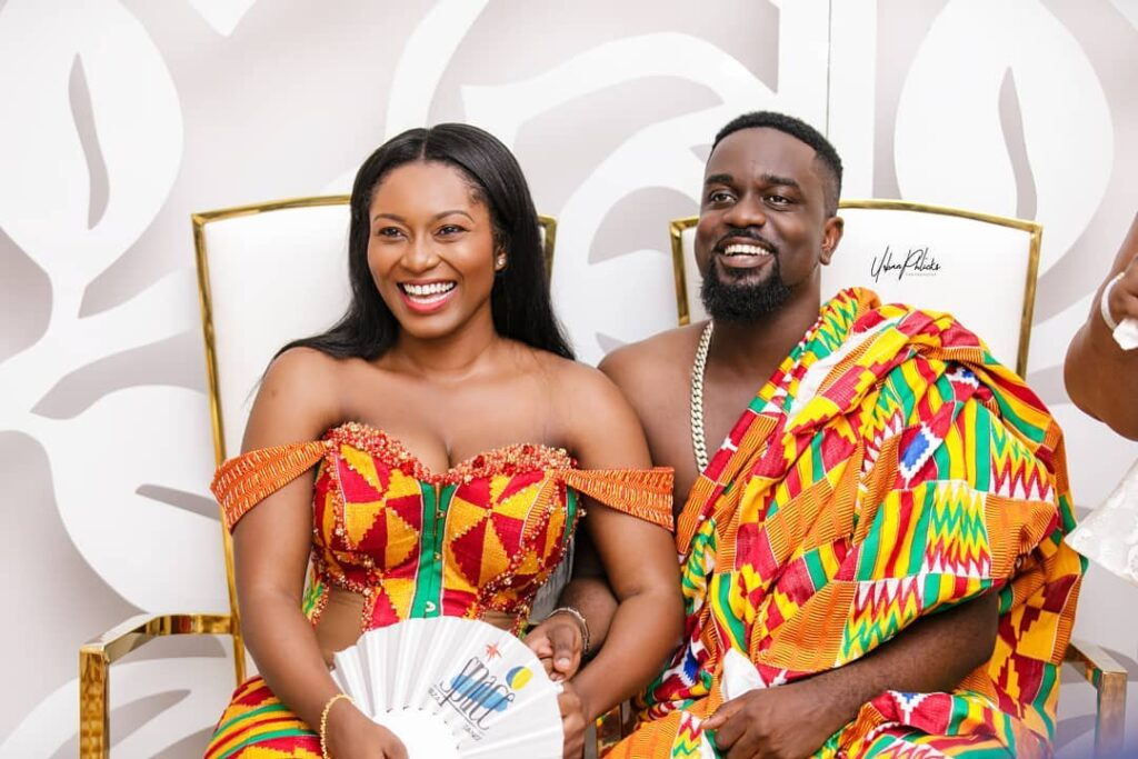 """""""44 cheap ladies want to ch0p me, but I am only yours""""- Sarkodie assures Tracy"""