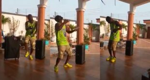 "Funny Face is fine now - Fans jubilates after seeing him jamming to R Kelly's ""The Storm Is Over Now"" - Video 15"