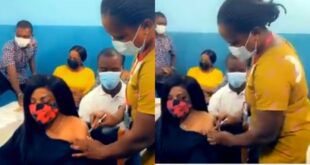 Nana Aba Anamoah takes the C()VID-19 vaccine - Video 8
