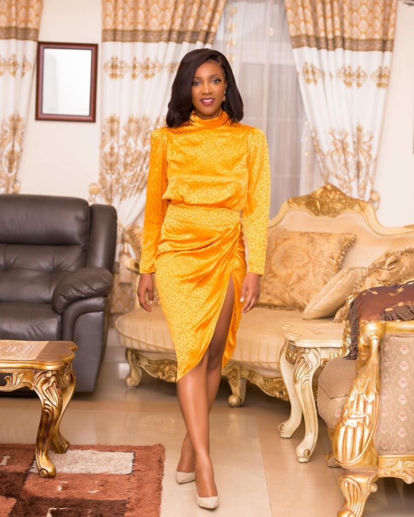 All you need to know about Roseline Okoro, the beautiful younger sister of Yvonne Okoro who just got married - Photos 10