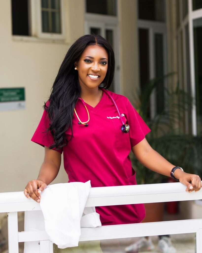 All you need to know about Roseline Okoro, the beautiful younger sister of Yvonne Okoro who just got married - Photos 12