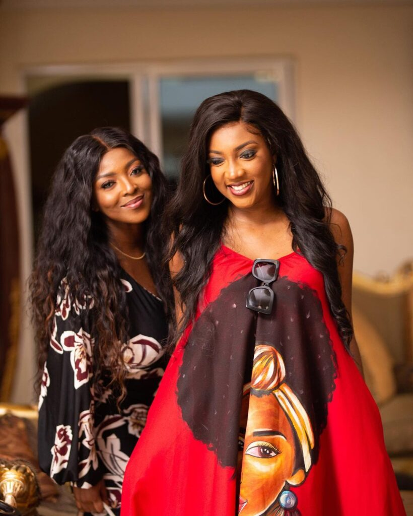 All you need to know about Roseline Okoro, the beautiful younger sister of Yvonne Okoro who just got married - Photos 3