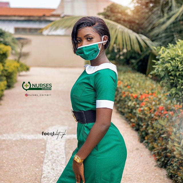 24 pictures of pretty Ghanaian Nurses that will make you want to marry a nurse. 2